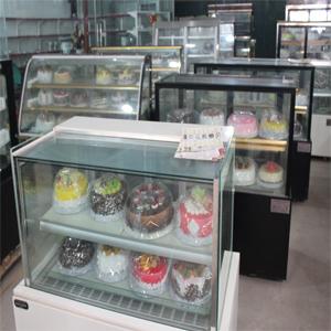 tủ trưng bày bánh,tủ bánh kem,tủ trưng bày,tủ bánh ngọt,tủ trưng bày bánh nhọt,tu trung bay banh,tu banh kem